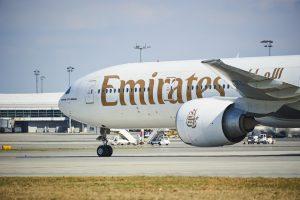Пассажирку Emirates сняли с рейса из-за менструальных болей