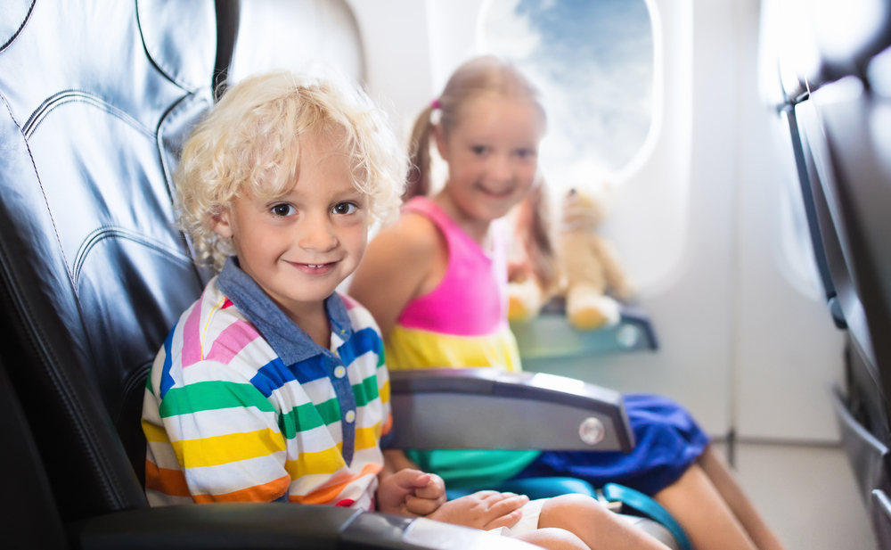 Британцы переплачивают $547 млн в год, чтобы сидеть в самолете с семьей.Вокруг Света. Украина