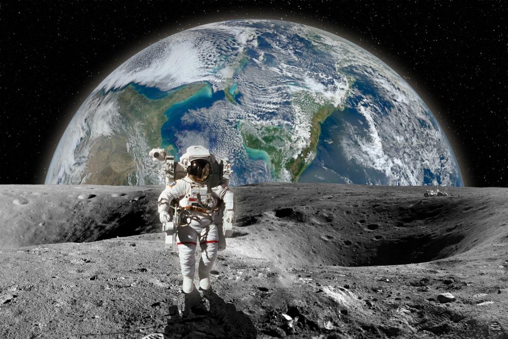 Освоение Луны: станция на орбите и скважины для воды.Вокруг Света. Украина