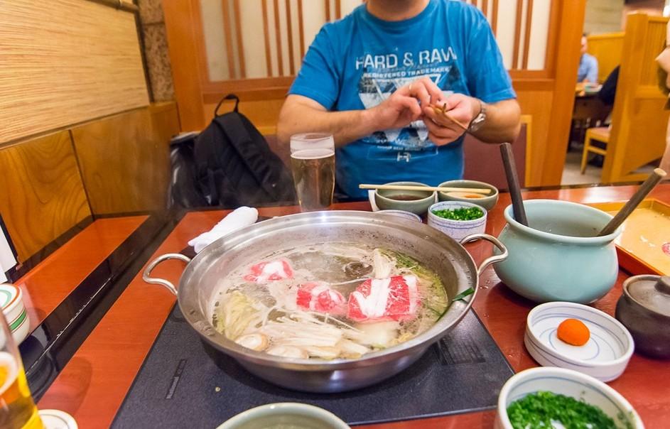 В киевском ресторане обнаружили суп за 8 тысяч гривен.Вокруг Света. Украина