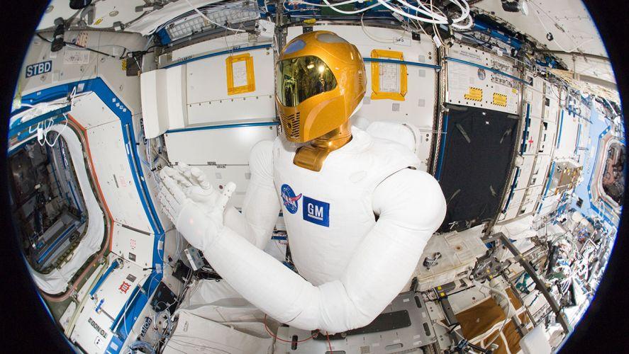 NASA спишет с орбиты робота-астронавта