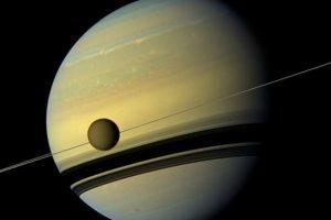 Обнаружены признаки жизни на спутнике Сатурна