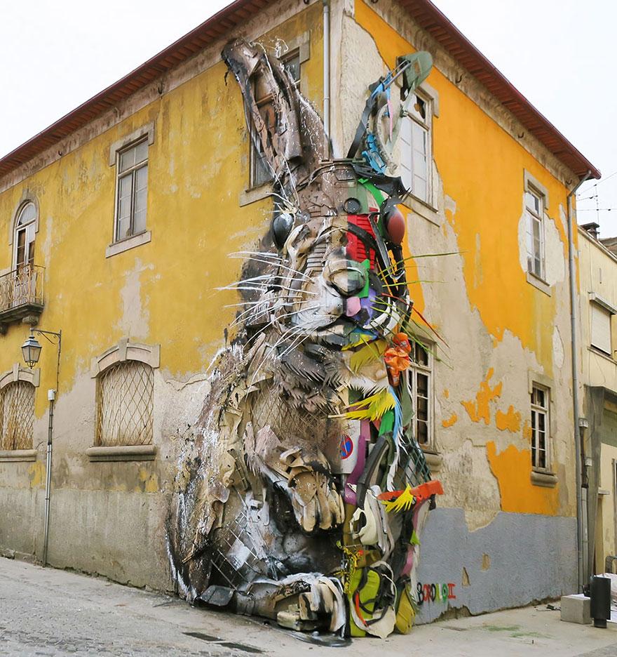 Искусство секонд-хенд: португальский художник создает скульптуры из мусора Искусство секонд-хенд: португальский художник создает скульптуры из мусора trash animal sculpture artur bordalo 101 594b807b0a9f2  880