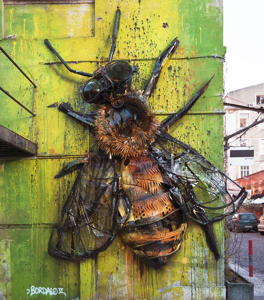 Искусство секонд-хенд: португальский художник создает скульптуры из мусора Искусство секонд-хенд: португальский художник создает скульптуры из мусора trash animal sculpture artur bordalo 21 57ea1bd5d10e1  880