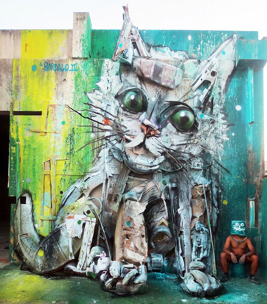 Искусство секонд-хенд: португальский художник создает скульптуры из мусора Искусство секонд-хенд: португальский художник создает скульптуры из мусора trash animal sculpture artur bordalo 41 57ea1c08dd18d  880