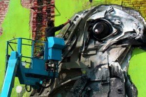 Искусство секонд-хенд: португальский художник создает скульптуры из мусора