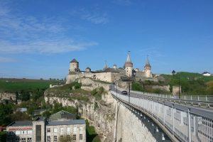 В Каменце-Подольском обвалилась стена исторической крепости
