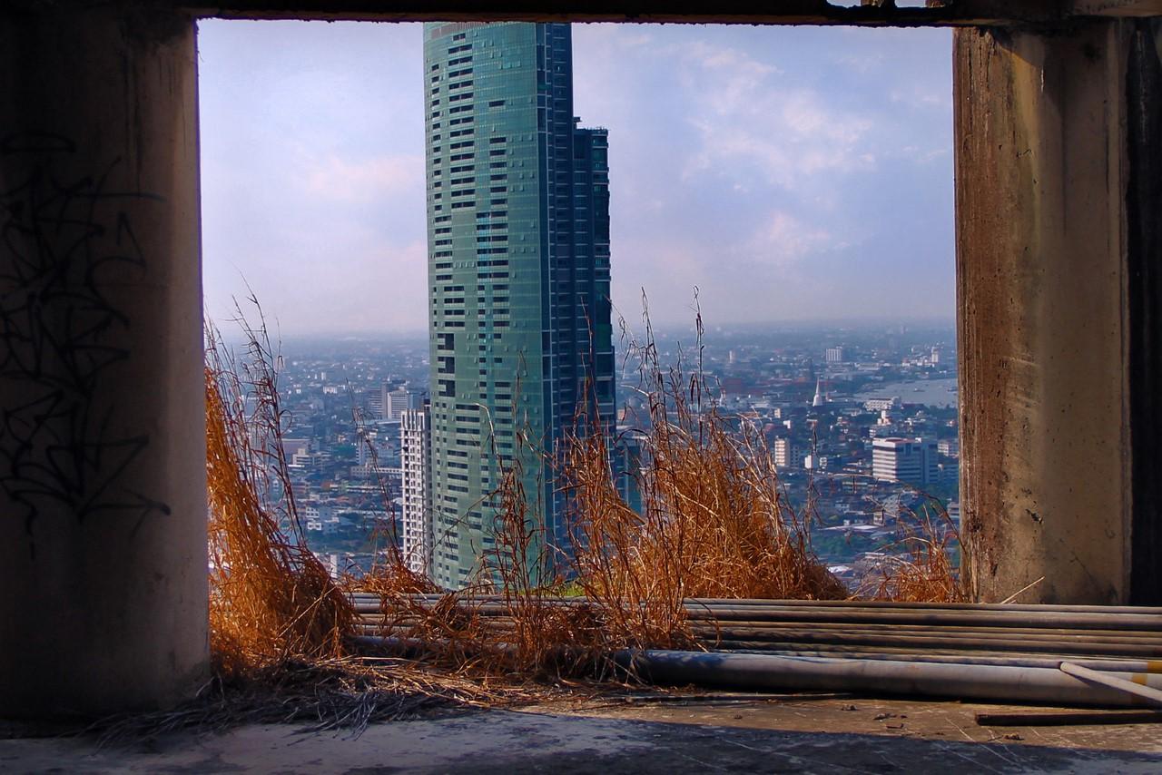 Как выглядит самый большой заброшенный небоскреб в мире Как выглядит самый большой заброшенный небоскреб в мире 24 1