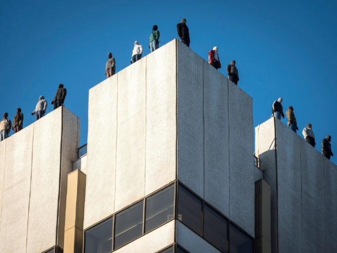 В Лондоне появился памятник самоубийцам В Лондоне появился памятник самоубийцам 3 26