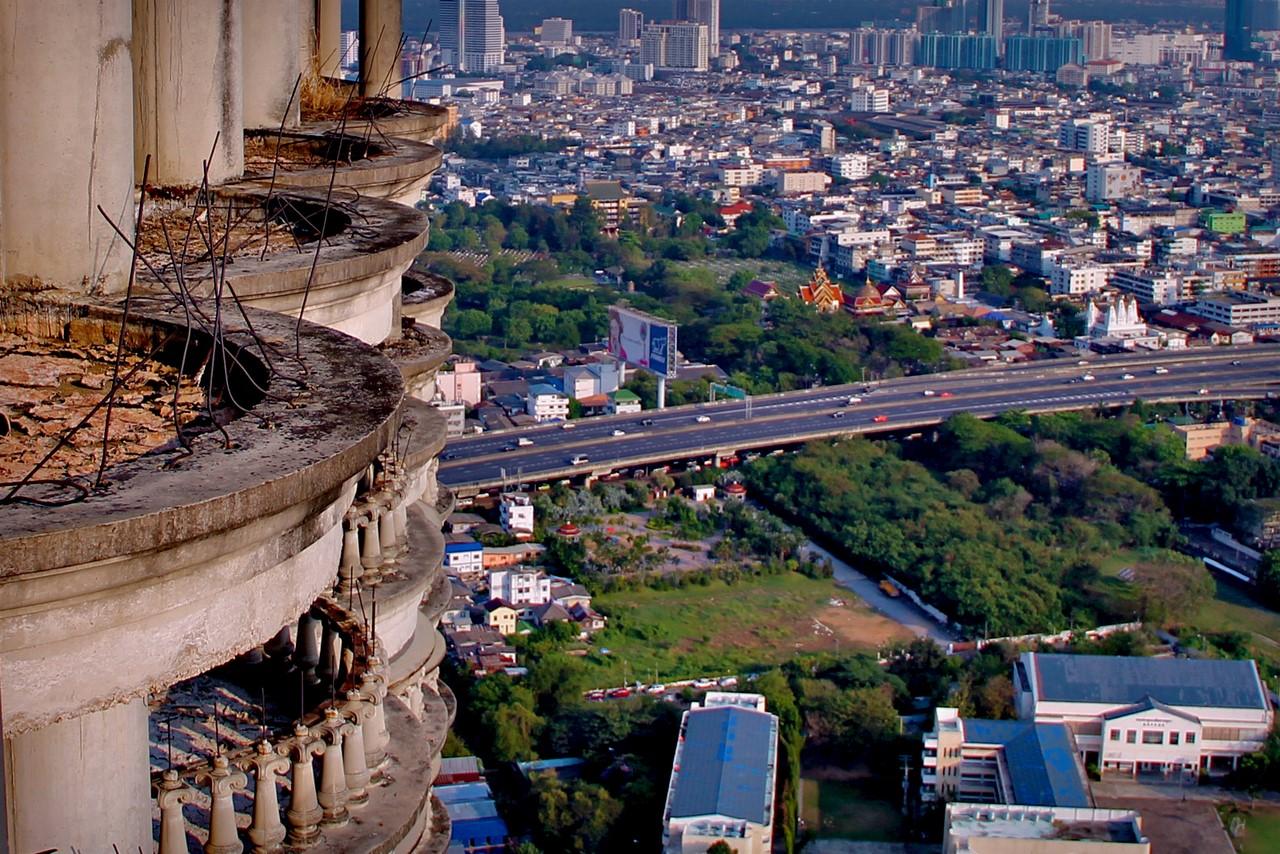 Как выглядит самый большой заброшенный небоскреб в мире Как выглядит самый большой заброшенный небоскреб в мире 3 4