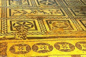 Уникальные мозаики нашли под Колизеем