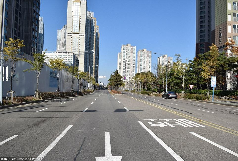 Высокотехнологичный город в Южной Корее превращается призрак Высокотехнологичный город в Южной Корее превращается призрак 4AA01C5000000578 5553001 image a 20 1522229093325