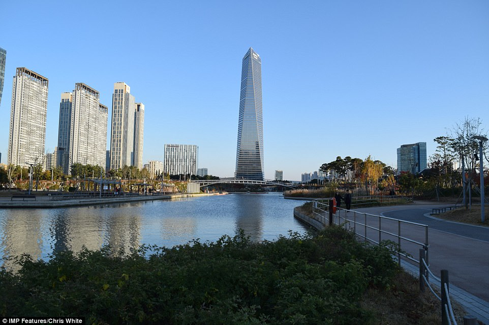 Высокотехнологичный город в Южной Корее превращается призрак Высокотехнологичный город в Южной Корее превращается призрак 4AA01DAB00000578 5553001 image a 50 1522229557649