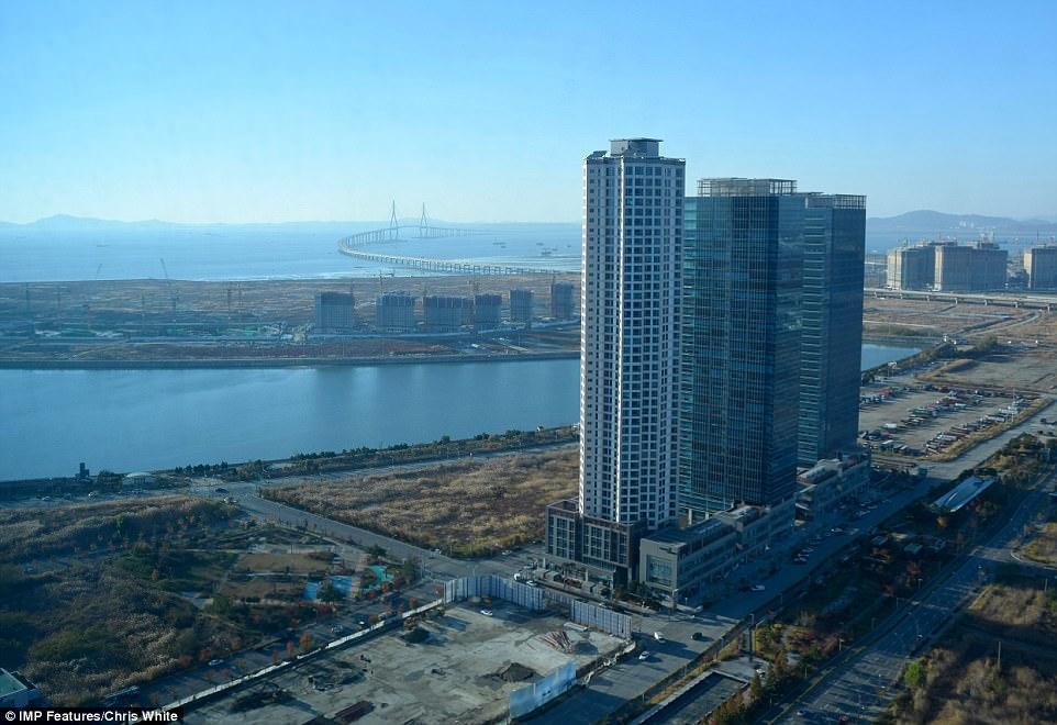 Высокотехнологичный город в Южной Корее превращается призрак Высокотехнологичный город в Южной Корее превращается призрак 4AA01DD300000578 5553001 image a 45 1522229544863