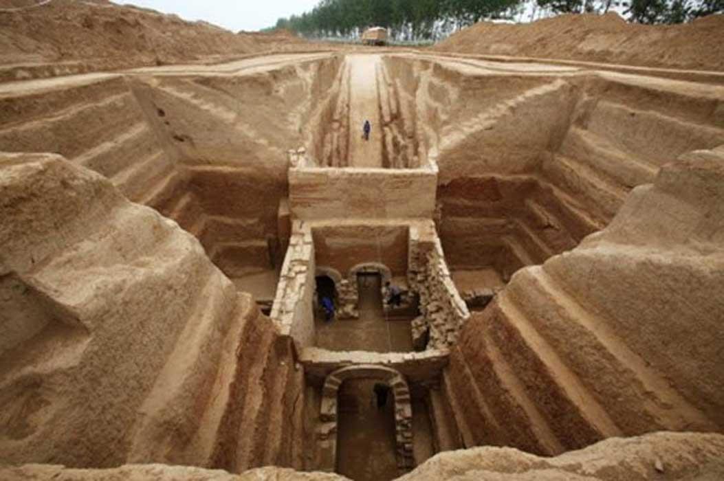 В Китае обнаружили гробницу знаменитого военачальника династии Хань В Китае обнаружили гробницу знаменитого военачальника династии Хань DZUGdeCXcAYfmoD