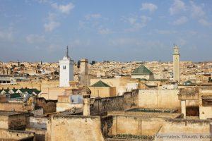 Автостопом по Марокко: красный, синий, белый