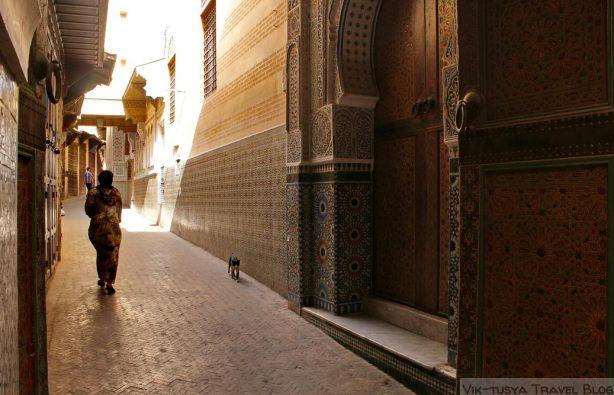 Автостопом по Марокко: красный, синий, белый Автостопом по Марокко: красный, синий, белый IMG 3381 614x395