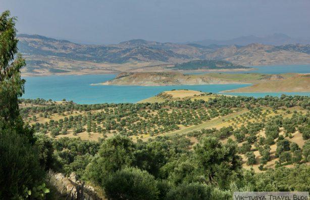 Автостопом по Марокко: красный, синий, белый Автостопом по Марокко: красный, синий, белый IMG 3540 614x395