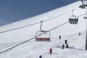 В Грузии на горнолыжном курорте сломался подъемник, есть пострадавшие