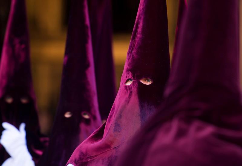 Без лица: как проходит Страстная неделя в Испании.Вокруг Света. Украина