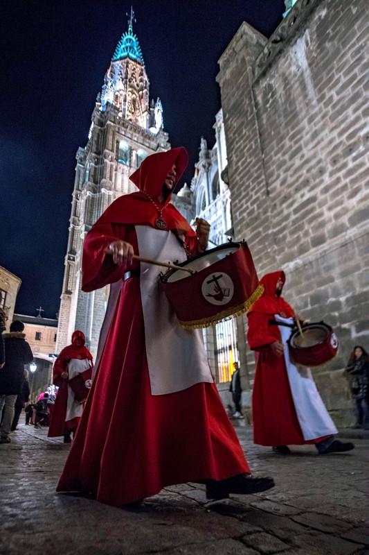 Без лица: как проходит Страстная неделя в Испании Без лица: как проходит Страстная неделя в Испании p 54228032