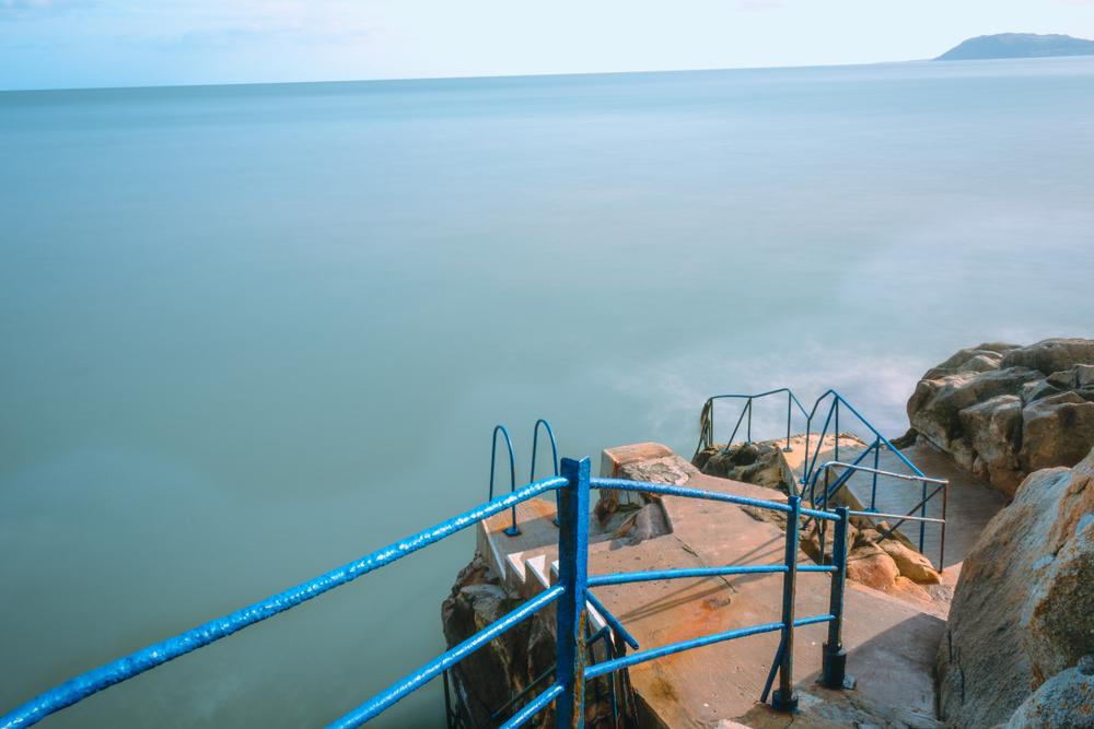 В Ирландии появится первый нудистский пляж В Ирландии появится первый нудистский пляж shutterstock 1031938039