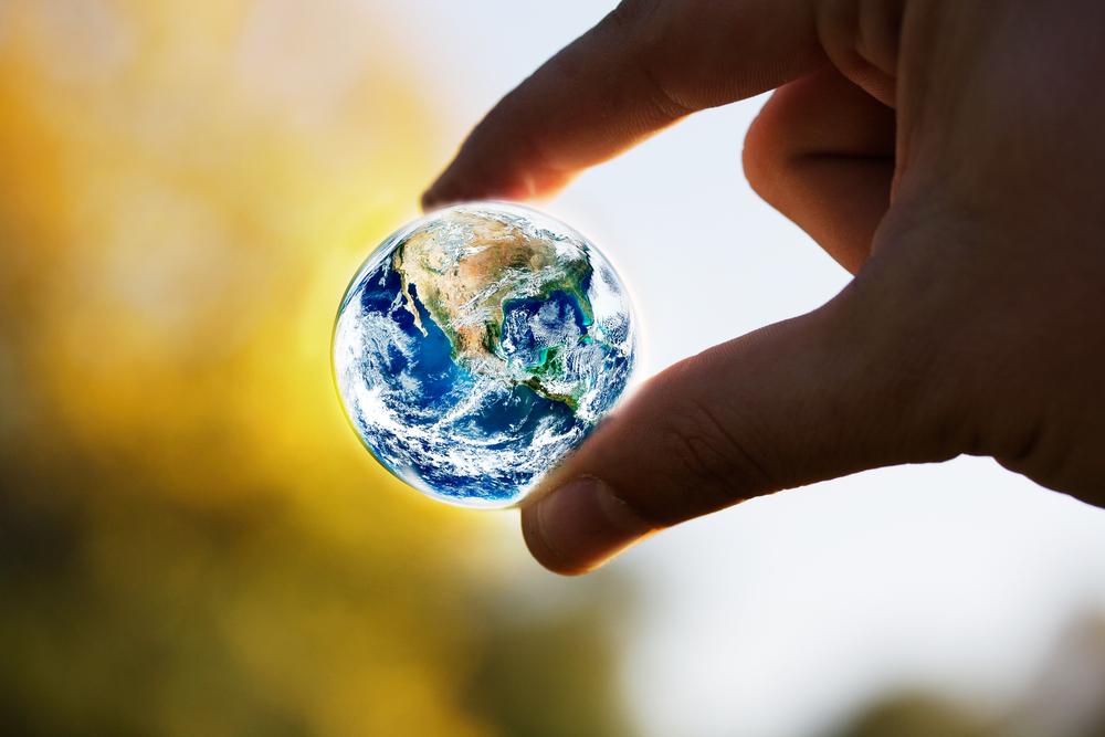 Климатологи предложили посыпать Землю солью