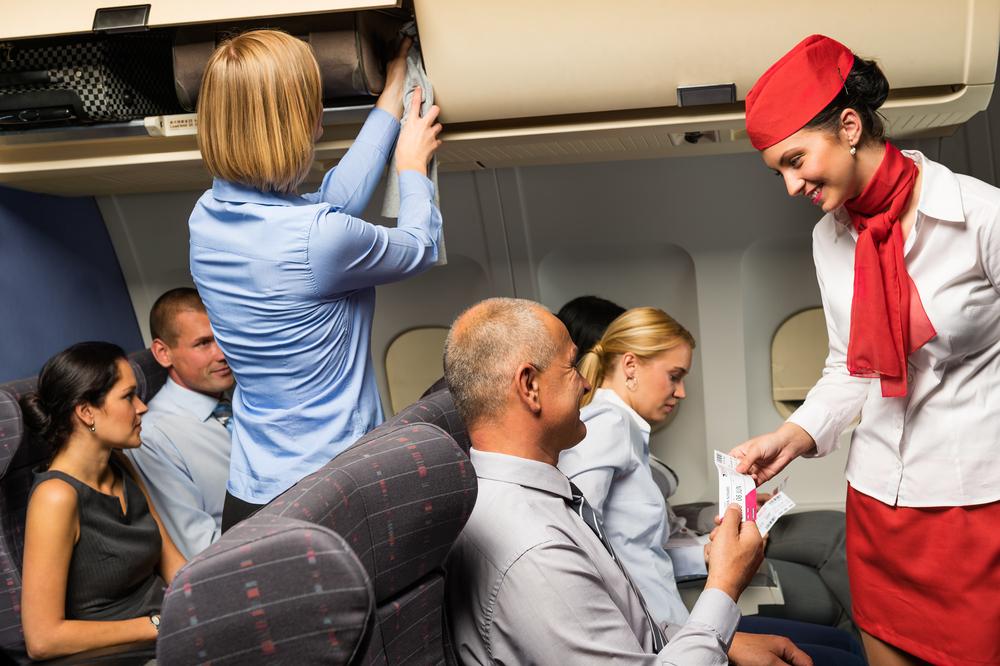 Шанс заразиться гриппом от стюардессы выше, чем от других пассажиров