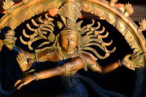 Археологи Индии обнаружили Шиву, танцевавшего на верхушке храма