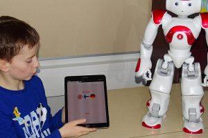 В Финляндии роботы начали учить школьников