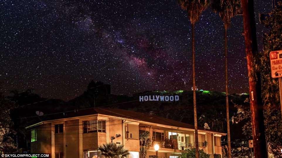 Млечный Путь над Нью-Йорком: В США пройдет Неделя темного ночного неба Млечный Путь над Нью-Йорком: В США пройдет Неделя темного ночного неба 4AFEE9B500000578 5596005 The hills are alive In the LA video the iconic Hollywood sign wa a 1 1523310765824