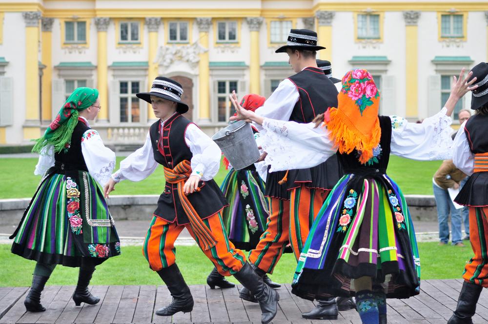 10 фактов об Облитом понедельнике: как отмечают Смигус-Дингус в Польше 10 фактов об Облитом понедельнике: как отмечают Смигус-Дингус в Польше shutterstock 145884005