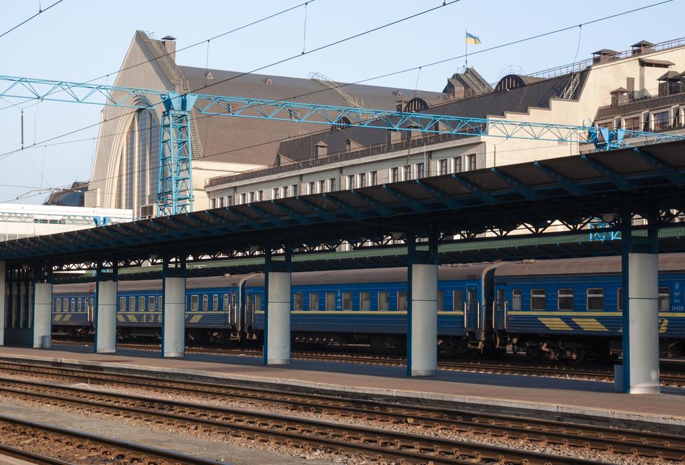 Украина запускает пассажирский поезд