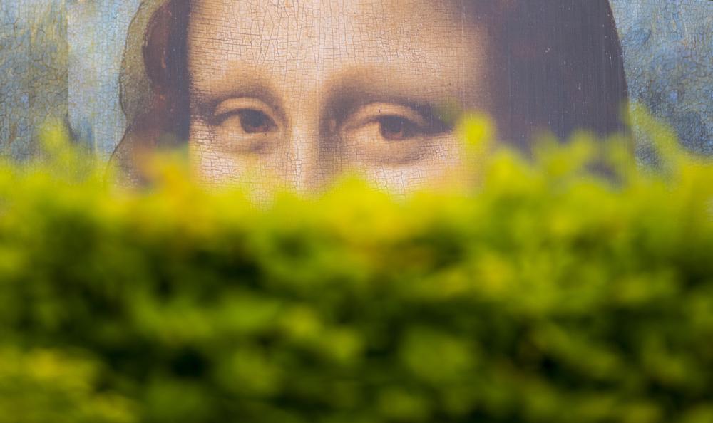 Мона Лиза улыбается только счастливым