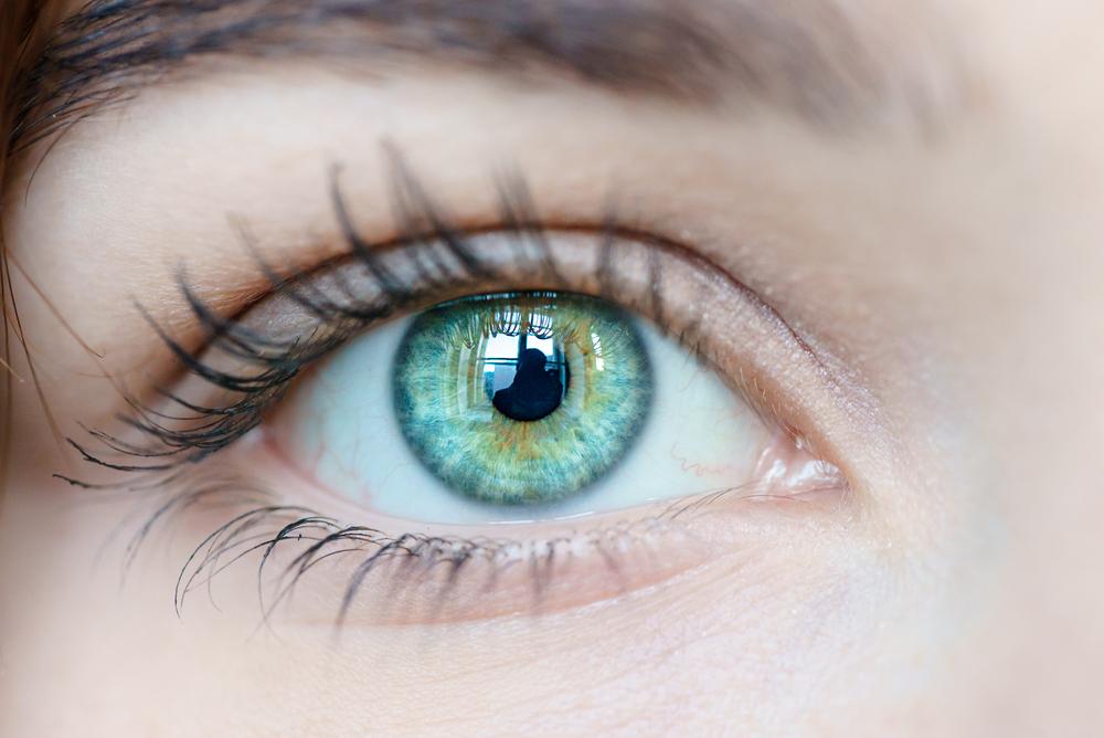 Светодиодные лампы разрушают сетчатку глаза