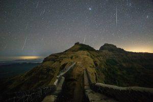Над Землей прольется самый древний звездопад планеты - Лириды