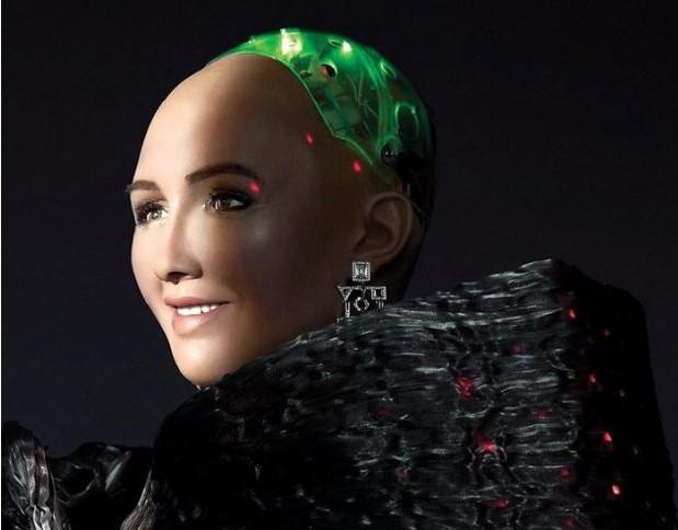 Робот София стала звездой Cosmopolitan
