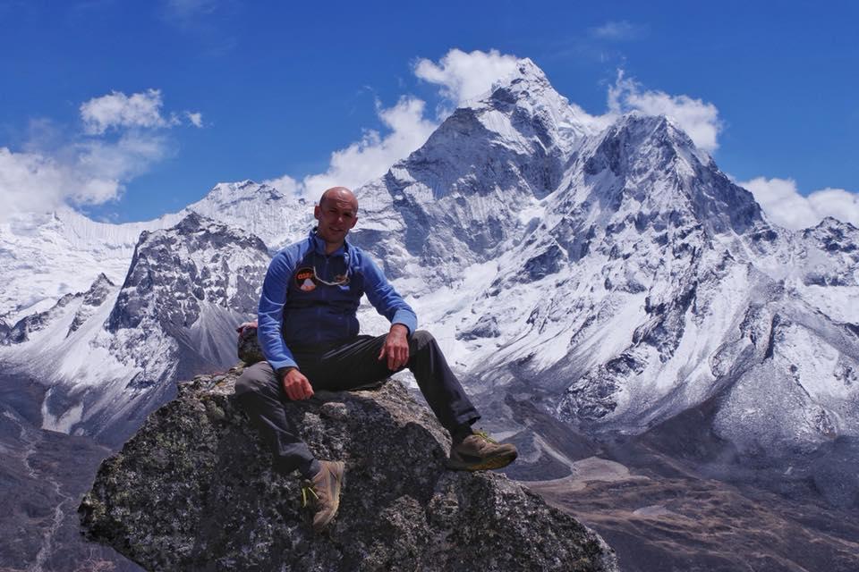 На Эвересте спасли украинских альпинистов, застрявших на обратном пути с вершины На Эвересте спасли украинских альпинистов, застрявших на обратном пути с вершины 12 2
