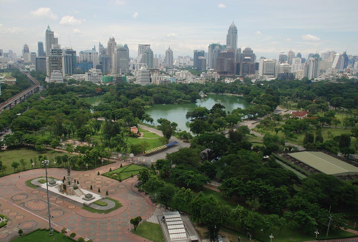 Бангкок: магия азиатской столицы Бангкок: магия азиатской столицы 1200px Aerial view of Lumphini Park