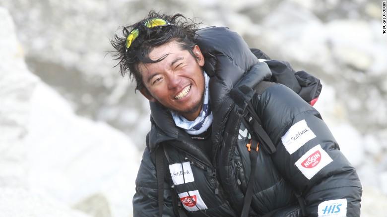 8 попыток и 9 пальцев: на Эвересте погиб японский альпинист