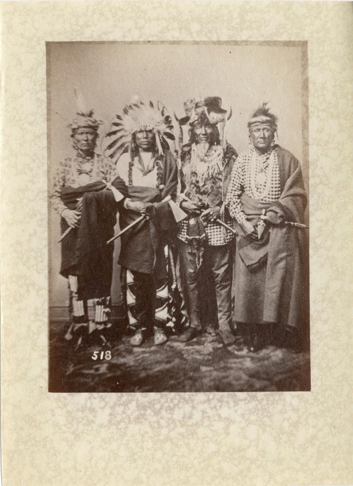 В интернете появились снимки коренных американцев конца xix века В интернете появились снимки коренных американцев конца XIX века 19th century photos native americans 08