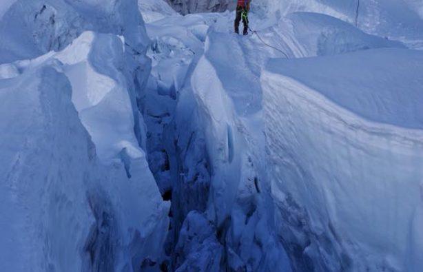 Украинская экспедиция на Эверест и Лхоцзе: ледопад Кхумбу и дальше вверх Украинская экспедиция на Эверест и Лхоцзе: ледопад Кхумбу и дальше вверх 21 1 614x395