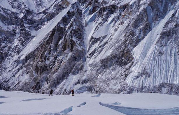 Украинская экспедиция на Эверест и Лхоцзе: ледопад Кхумбу и дальше вверх Украинская экспедиция на Эверест и Лхоцзе: ледопад Кхумбу и дальше вверх 27 614x395