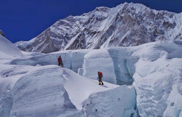 Украинская экспедиция на Эверест и Лхоцзе: ледопад Кхумбу и дальше вверх Украинская экспедиция на Эверест и Лхоцзе: ледопад Кхумбу и дальше вверх 28 614x395