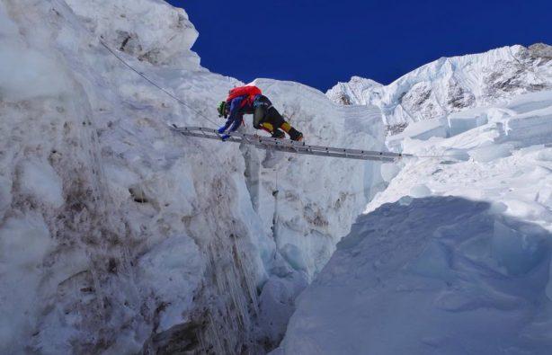 Украинская экспедиция на Эверест и Лхоцзе: ледопад Кхумбу и дальше вверх Украинская экспедиция на Эверест и Лхоцзе: ледопад Кхумбу и дальше вверх 29 614x395