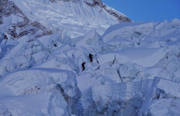 Украинская экспедиция на Эверест и Лхоцзе: ледопад Кхумбу и дальше вверх Украинская экспедиция на Эверест и Лхоцзе: ледопад Кхумбу и дальше вверх 33 614x395