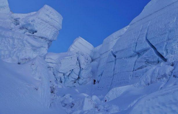 Украинская экспедиция на Эверест и Лхоцзе: ледопад Кхумбу и дальше вверх Украинская экспедиция на Эверест и Лхоцзе: ледопад Кхумбу и дальше вверх 38 614x395
