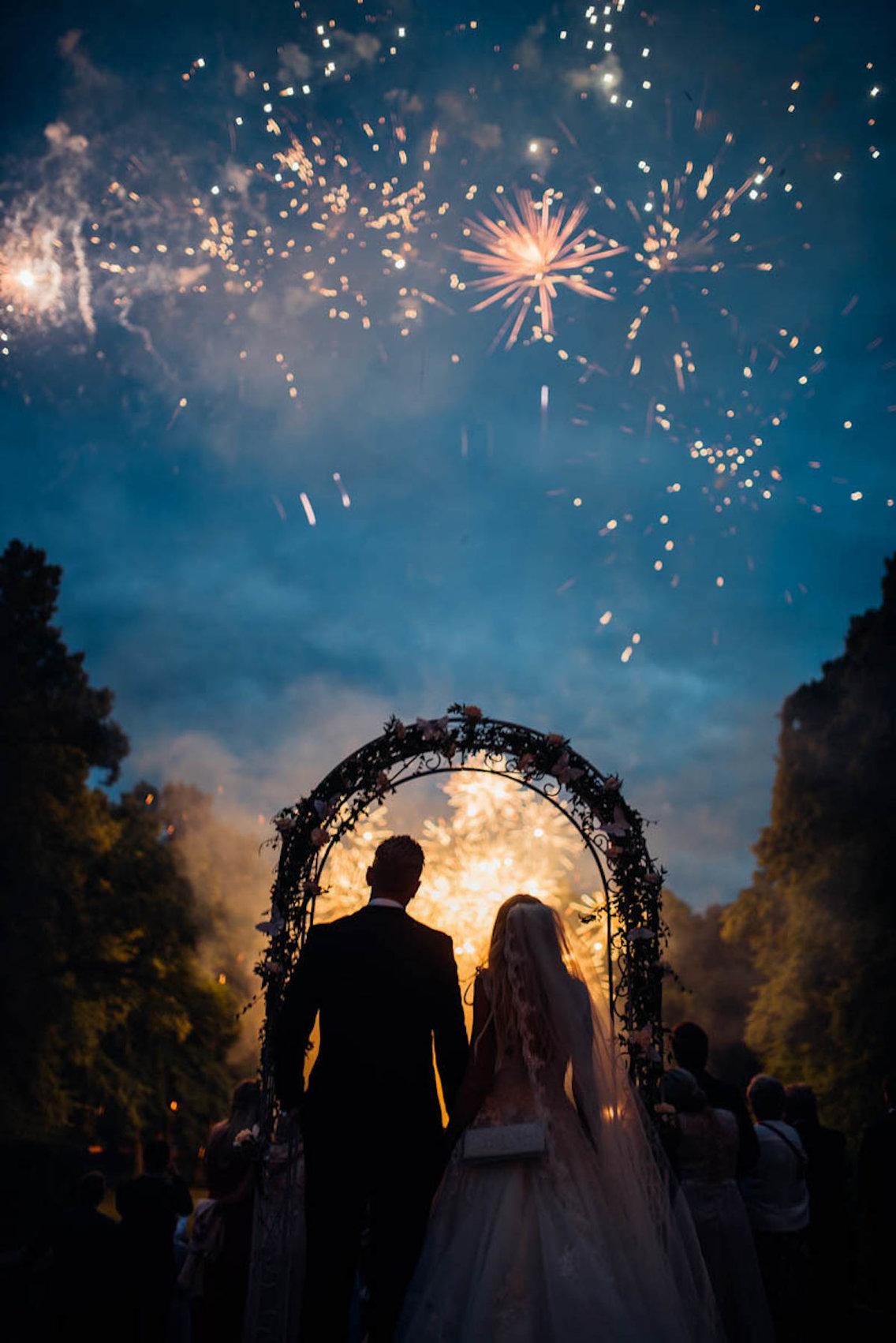 Самый счастливый день: лучшие свадебные фотографии 2017 года Самый счастливый день: лучшие свадебные фотографии 2017 года 5a981a48aae6051e008b46aa 1136 1702