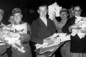 В Германии отмечают День книги в память о публичных сожжениях книг 10 мая 1933 года