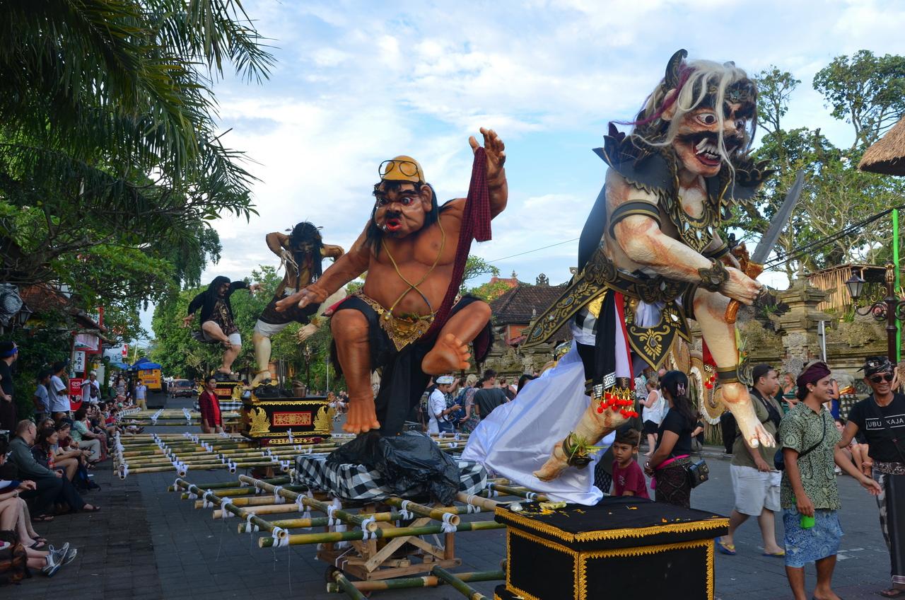 Летающие монстры, или Как празднуют Новый год на Бали Летающие монстры, или Как празднуют Новый год на Бали DSC 0028
